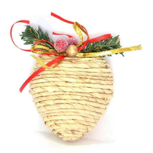 Украшение елочное подвесное Winter Wings СердцеN180416Новогоднее украшение Winter Wings Сердце отлично подойдет для декорации вашего дома и новогодней ели. Украшение выполнено из полимера и соломы в виде сердца. С помощью специальной петельки украшение можно повесить в любом понравившемся вам месте.Елочная игрушка - символ Нового года. Она несет в себе волшебство и красоту праздника. Создайте в своем доме атмосферу веселья и радости, украшая всей семьей новогоднюю елку нарядными игрушками, которые будут из года в год накапливать теплоту воспоминаний.