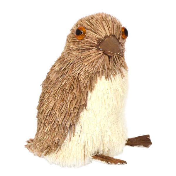 Украшение елочное подвесное Winter Wings ПингвинN181227Новогоднее украшение Winter Wings Пингвин отлично подойдет для декорации вашего дома и новогодней ели. Украшение выполнено из соломы с блестящей крошкой в виде пингвина. С помощью специальной петельки украшение можно повесить в любом понравившемся вам месте.Елочная игрушка - символ Нового года. Она несет в себе волшебство и красоту праздника. Создайте в своем доме атмосферу веселья и радости, украшая всей семьей новогоднюю елку нарядными игрушками, которые будут из года в год накапливать теплоту воспоминаний.Высота украшения: 6,5 см.