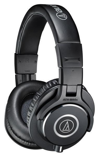 Audio-Technica ATH-M40XATH-M40XНаушники профессиональной серии. Съемный шнур, два кабеля в комплекте. Закрытое акустическое оформление с отличной звукоизоляцией. Чашки, вращающиеся на 90 градусов для мониторинга в DJ-стиле. Удобное регулируемое оголовье, комфортная эксплуатация