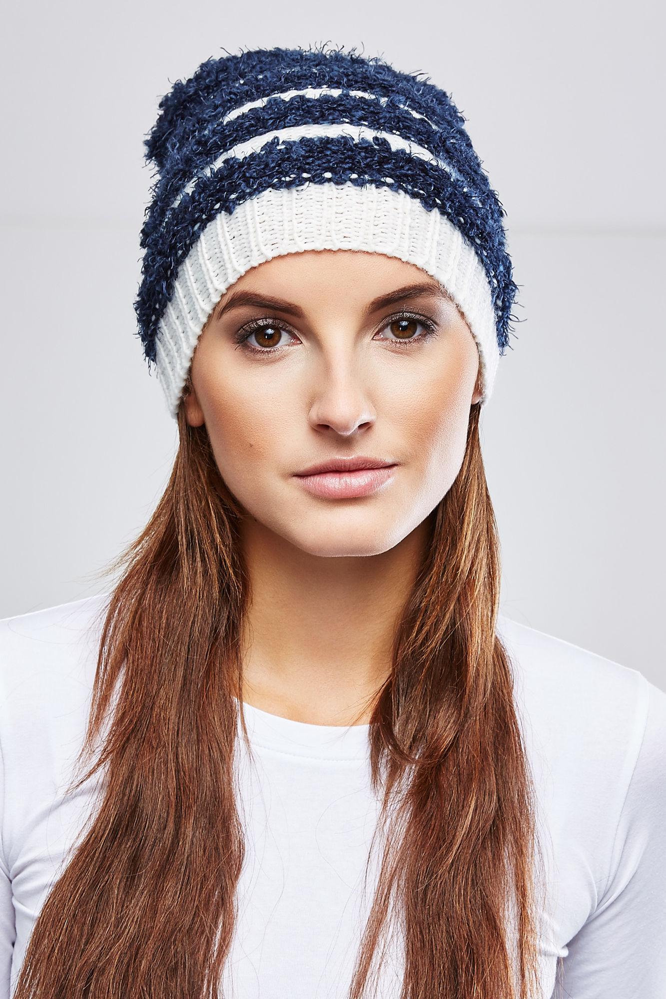 Шапка женская Moodo, цвет: темно-синий, белый. Z-CZ-1808. Размер универсальный футболка женская moodo цвет белый сиреневый серый l ts 2045 white размер m 46