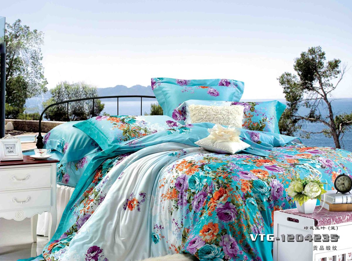 Комплект белья Диана La Vanille, 1,5-спальный, наволочки 70х70, цвет: голубой, сиреневый, красный. С-649-143-150-70С-649-143-150-70Комплект постельного белья Диана La Vanille состоит из пододеяльника, простыни и двух наволочек. Белье бесшовное, оформлено оригинальным рисунком и имеет изысканный внешний вид. Изготовлено из бязи люкс (100% хлопка).Бязь - это ткань из экологически чистого и натурального 100% хлопка. Неоспоримым плюсом белья из такой ткани является мягкость и легкость, она прекрасно пропускает воздух, приятна на ощупь, не образует катышков на поверхности и за ней легко ухаживать. При соблюдении рекомендаций по уходу это белье выдерживает много стирок, не линяет и не теряет свою первоначальную прочность. Уникальная ткань обеспечивает легкую глажку.Приобретая комплект постельного белья Диана La Vanille, вы можете быть уверенны в том, что покупка доставит вам и вашим близким удовольствие и подарит максимальный комфорт.