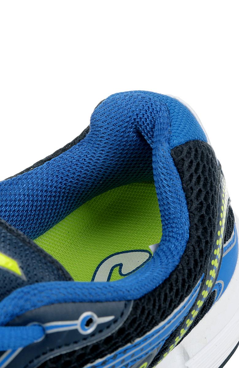 Мужские кроссовки Speed от Joma идеально подходят для умеренных спортивных нагрузок и для повседневной ходьбы. Верх выполнен сетчатого текстиля со вставками из синтетической кожи. На языке, на заднике и по бокам модель оформлена фирменным логотипом. Стелька из EVA с текстильной поверхностью обеспечивает комфорт. Шнуровка надежно фиксирует модель на ноге. Рельефный рисунок подошвы обеспечивает отличное сцепление с любыми поверхностями. Подошва с системой стабилизации Pulsor Dio обеспечивает отличную амортизацию. В таких кроссовках вашим ногам будет комфортно и уютно.