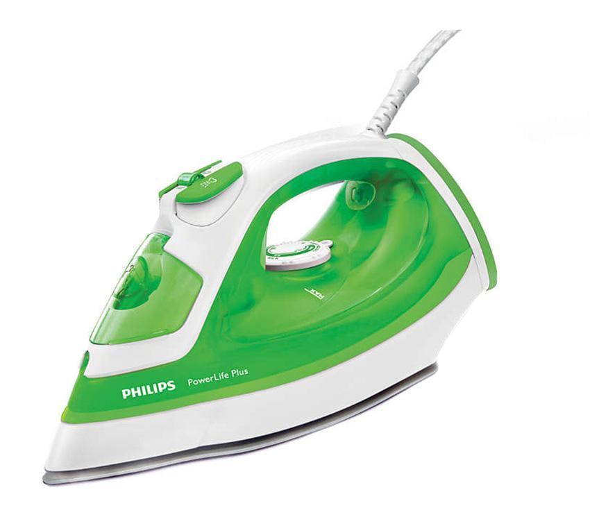 Philips PowerLife Plus GC2980/70, White Green утюгGC2980/70Паровой утюг Philips PowerLife Plus обеспечивает великолепные результаты глажения день за днем — превосходные характеристики благодаря новой подошве SteamGlide, постоянной мощной подаче пара, удобной функции очистки от накипи для оптимальной подачи пара надолго и подставке для дополнительной устойчивости в вертикальном положении.Подошва SteamGlide — идеальная подошва от Philips для вашего парового утюга. Идеально скользящая, легкоочищаемая поверхность, устойчивая к появлению царапин.тот паровой утюг Philips оснащен системой капля-стоп, поэтому вы сможете гладить даже деликатные ткани при низкой температуре, не беспокоясь о появлении пятен воды на одежды.Ползунок очистки от накипи упрощает удаление накипи из утюга. Для максимальной эффективности работы утюга Philips необходимо проводить очистку от накипи 1 раз в месяц.Этот мощный утюг быстро нагревается и поддерживает необходимую температуру во время глажения, что облегчает разглаживание складок.Утюг снабжен специальной широкой подставкой для дополнительной устойчивости прибора в вертикальном положении.