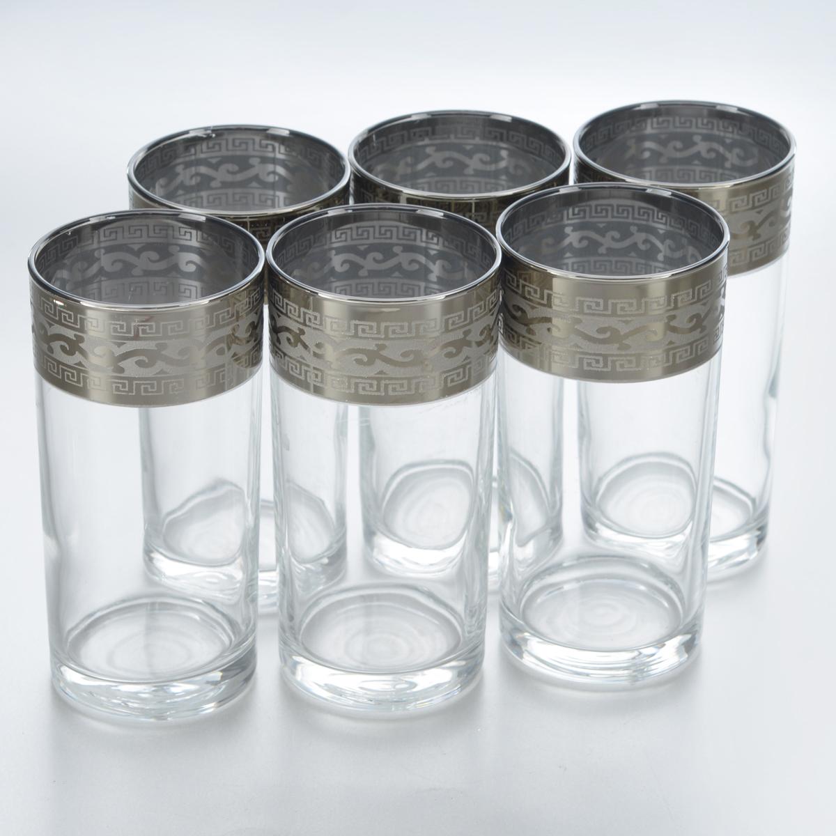 Набор стаканов для коктейлей Гусь-Хрустальный Версаче, 290 мл, 6 штGE08-402Набор Гусь-Хрустальный Версаче состоит из 6 высоких стаканов, изготовленных из высококачественного натрий-кальций-силикатного стекла. Изделия оформлены красивым зеркальным покрытием и широкой окантовкой с оригинальным узором. Стаканы предназначены для подачи коктейлей, а также воды и сока. Такой набор прекрасно дополнит праздничный стол и станет желанным подарком в любом доме. Разрешается мыть в посудомоечной машине. Диаметр стакана (по верхнему краю): 6 см. Высота стакана: 12,8 см.