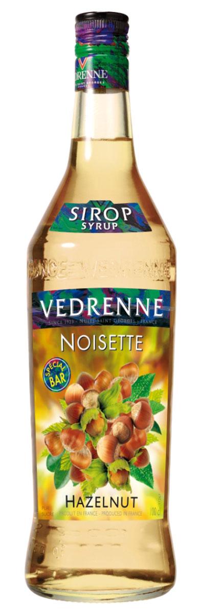 Vedrenne Лесной Орех сироп, 1 лSVDRNO-010B01Сироп Лесной Орех — добавка, которая создается в основном для кофейных напитков. Густая приятная консистенция даёт напиткам аромат орехов.Сиропы изготавливаются на основе натурального растительного сырья, фруктовых и ягодных соков прямого отжима, цитрусовых настоев, а также с использованием очищенной воды без вредных примесей, что позволяет выдержать все ценные и полезные свойства натуральных фруктово-ягодных плодов и трав. В состав сиропов входит только натуральный сахар, произведенный по традиционной технологии из сахарозы. Благодаря высокому содержанию концентрированного фруктового сока, сиропы Vedrenne обладают изысканным ароматом и натуральным вкусом, являются эффективным подсластителем при незначительной калорийности. Они оптимизируют уровень влажности и процесс кристаллизации десертов, хорошо смешиваются с другими ингредиентами и способствуют улучшению вкусовых качеств напитков и десертов.Сиропы Vedrenne разливаются в стеклянные бутылки с яркими этикетками, на которых изображен фрукт, ягода или другой ингредиент, определяющий вкусовые оттенки того или иного продукта Vedrenne. Емкости с сиропами Vedrenne герметичны, поэтому не позволяют содержимому контактировать с микроорганизмами и другими губительными внешними воздействиями. Кроме того, стеклянные бутылки выглядят оригинально и стильно.В настоящее время компания Vedrenne считается одним из лучших производителей высококлассных сиропов, отличающихся натуральным вкусом, а также насыщенным ароматом и глубоким цветом. Фруктовые сиропы Vedrenne пользуются большой популярностью не только во Франции (где их широко используют как в сегменте HoReCa, так и в домашних условиях), но и экспортируются более чем в 50 стран мира.Цвет: соломенныйАромат: звучит теплыми, пряными нотами лесного орехаВкус: округлый, мягкий, сладкий с нотами фундука в мёдеРецепт коктейля Волшебный ДесертИнгредиенты:30 мл сиропа Vedrenne Лесной Орех;30 мл ликера Айриш крим;30 мл эспрессо;1 шарик ванильно