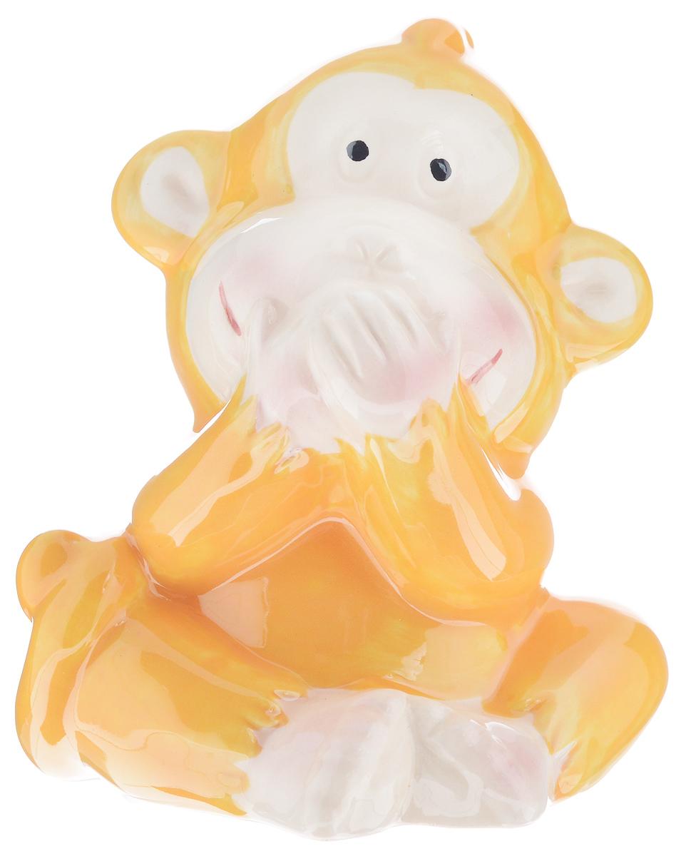 Сувенир Sima-land Обезьянка игривая, высота 8,5 см. 10560951056095_желтыйСувенир Sima-land Обезьянка игривая выполнен из высококачественной керамики в виде забавной обезьянки. Такой сувенир станет отличным подарком родным или друзьям на Новый год, а также он украсит интерьер вашего дома или офиса.