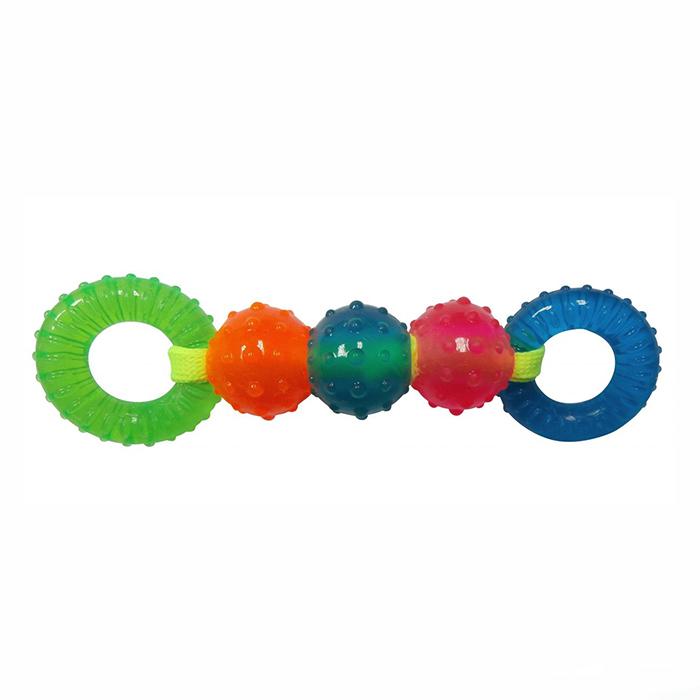 Игрушка для собак Ziver Шарики и кольца на веревке, цвет: зеленый, голубой, длина 15 см40.ZV.116Игрушка Ziver Шарики и кольца на веревке изготовлена из высококачественного латекса с использованием только безопасных, не токсичных красителей. Игрушка выполнена в виде 3 мячиков и 2 колец на веревке и при надавливании пищит.Привлечет внимание вашего любимца, позволит весело провести ему время, не навредит здоровью, а также поможет вам сохранить в целости личные вещи и предметы интерьера. br>Рифленая игольчатая поверхность игрушки прекрасно массирует десна.