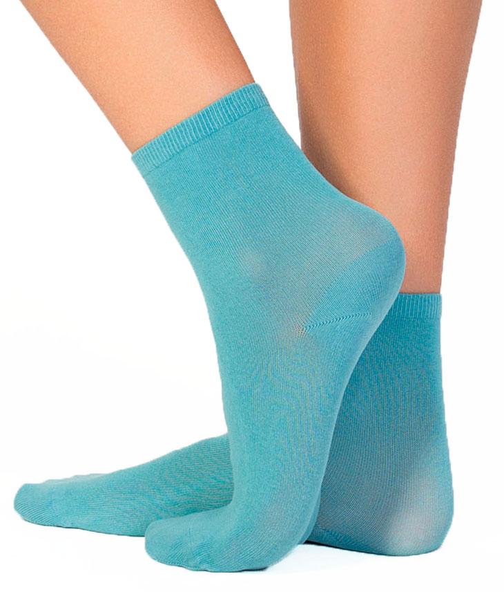 Носки женские Incanto Collant, цвет: голубой (Lago). IBD733004. Размер 2 (36/38)IBD733004_LagoЖенские носки Incanto Collant изготовлены из высококачественного сырья. Носки очень мягкие на ощупь, а резинка плотно облегает ногу, не сдавливая ее, благодаря чему вам будет комфортно и удобно. Усиленная пятка и мысок обеспечивают надежность и долговечность.