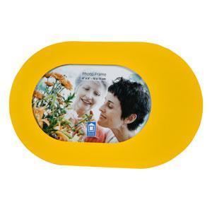 Фоторамка PATA, цвет: желтый, 10 см х 15 см94739Фоторамка PATA - прекрасный способ красиво оформить фотографию. Фоторамка поможет сохранить на память самые яркие моменты вашей жизни, а стильный дизайн сделает ее прекрасным дополнением интерьера комнаты.
