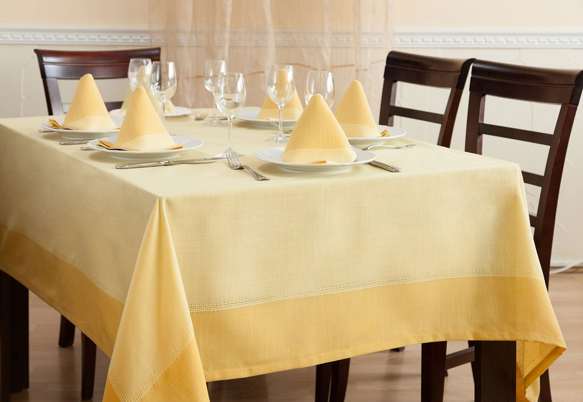 Набор скатерть Duet 160х200+салфетки 40х40 - 6 шт. (желтый 13)4661191622-13Сделайте свое торжество изысканным–украсьте праздничный стол скатертями и салфетками Duet из новой коллекцииPrimavelle! Классический лаконичный дизайн станет стильным украшением вашей кухни, а набор из 6 салфеток позволит устроиться за столом всей семьёй. Скатерть выполнена из натуральных материалов, поэтому ткань проста в уходе – легко стирается ибыстро сохнет.