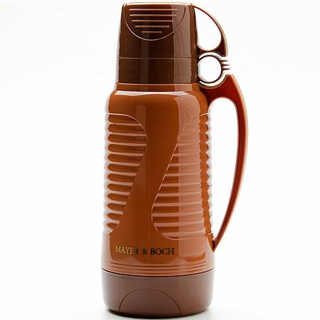 Термос Mayer & Boch, с 2 чашами, цвет: коричневый, 1,8 л24904Термос Mayer & Boch со стеклянной колбой в пластиковом корпусе является однимиз востребованных в России. Его температурнаяхарактеристика ни в чем не уступаеттермосам со стальными колбами, но благодарясвойствам стекла этот термос можетбыть использован для заваривания напитков сустойчивыми ароматами. Изделие идеальноподходит для сохранения напитка горячим илихолодным в течение нескольких часов.В комплекте имеются две чашки разных размеров.Завинчивающаяся герметичная крышкапредохранит от проливаний. Такой термос станет не только надежным другом впоходе, но и отличным украшением вашей кухни.Высота термоса: 33,5 см.Диаметр большой чаши (по верхнему краю): 9,7 см.Высота большой чаши: 8,2 см.Диаметр малой чаши (по верхнему краю): 9,5 см.Высота малой чаши: 6 см.