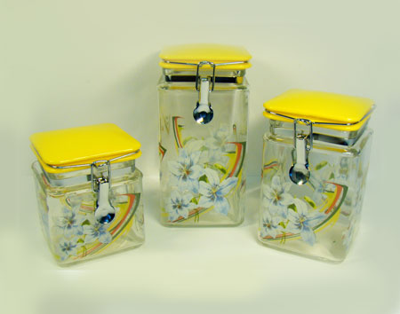 2359 Набор банок д/сып/прод LR 3пр квад.с клип(х4)2359Набор банок для сыпучихМатериал:стеклоБанки с клипсойРазмер:9,5х9,5х20см 9,5х9,5х15,5см 9,5х9,5х12смРазмер упаковки:20,5х13,5х29см