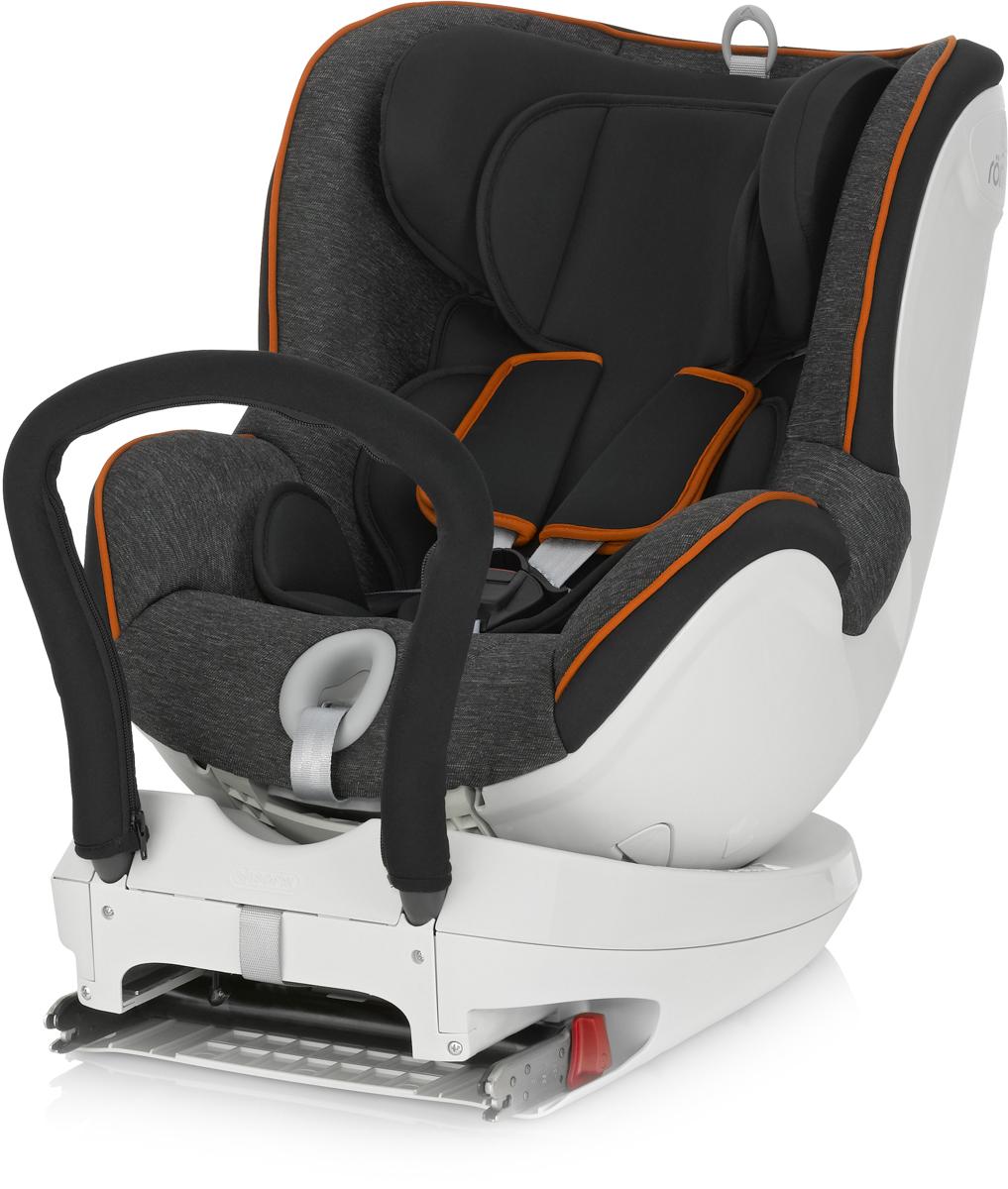 Romer Автокресло Dualfix Black Marble2000022824Благодаря повороту кресла DUALFIX на 360° вы можете легко разместить своего ребенка в сиденье и устанавливать кресло как по ходу движения, так и против движения автомобиля. Первоначально кресло используется в положение лицом против направления движения при весе ребенка до 9 кг, затем вы можете или оставить ребенка лицом против направления движения или повернуть его лицом по направлению движения. Благодаря такой гибкости кресло подходит для новорожденных и для детей старшего возраста. Кресло оснащено всеми устройствами обеспечения безопасности, которые вы привыкли видеть у BRITAX&ROMER, например, креплением ISOFIX и 5-точечным ремнем безопасности. Неважно, сколько лет вашему ребенку и какой его рост - вы можете быть уверены, что он будет в безопасности. Отличительные особенности: Система ремней безопасности с пятиточечным креплением, регулируемая однократным натяжением, равномерно распределяет силу удара, также позволяет отрегулировать ремни по размеру вашего ребенка и защищает ребенка в кресле независимо от направления удара.Выбор положения: лицом против направления движения или по направлению движения (для ребенка весом от 9 до 18 кг). Вращение сиденья на 360° облегчает поворот кресла по направлению движения или против направления движения без необходимости снятия кресла, благодаря ему можно посадить ребенка в кресло сбоку. Система ISOFIX. Обеспечивает быструю и надежную установку кресел в автомобиле. Наклон в различные положения обеспечивает вашему ребенку удобное положение для сна, которое вы можете отрегулировать, не тревожа ребенка. Вставка для новорожденных обеспечивает дополнительный комфорт и поддержку для малыша. Регулируемый по высоте подголовник и ремни легко настраиваются одной рукой, что позволяют креслу расти вместе с ребенком. Глубокие мягкие боковины обеспечивают вашему ребенку оптимальную защиту при боковом ударе на всем сиденье. Накладки на ремни безопасности ограничивают движение ребенка вперед и погл