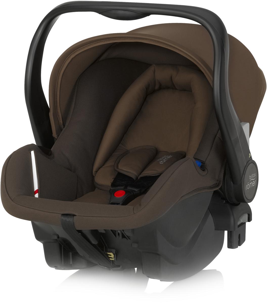 Romer Автокресло Primo Wood Brown до 13 кг2000023037Автокресло Romer Primo группы 0+ предназначено для детей весом до 13 кг (от рождения до 12 месяцев). Автокресло было разработано для родителей, которые ценят комфорт ребенка, простоту в обращении и удобство установки в любом автомобиле. Удобная ручка для переноса, регулируемый капюшон, встроенные адаптеры для коляски, оснащенной системой CLICK & GO, вставка для новорожденных из двух частей, легкость и простота установки в автомобиле - идеальное сочетание для создания Travel System - собственной системы путешествий. Автокресло Romer Primo создано, чтобы приносить только положительные эмоции.Особенности:Внутренний 3-точечный ремень безопасности регулируется всего одним движением руки.Специальный вкладыш для новорожденных, состоящий из 2 частей (подголовника с мягкими бортиками и подушки под спину), обеспечивает комфорт и безопасность во время сна. При необходимости вынимается, увеличивая свободное пространство внутри автокресла.Совместимость с детскими колясками BRITAX, оснащенными механизмом CLICK & GO.Съемный капор для защиты от солнца и ветра с защитой от УФ-излучения 50+. Эргономичная ручка для переноски: для ношения и использования в авто; для укладывания ребенка; для надежной установки за пределами автомобиля.Быстросъемный моющийся чехол с мягкой подкладкой, не требующий расцепления ремня безопасности.Изогнутое основание для укачивания или кормления.Глубокие боковины с мягкой обивкой и плечевые накладки на внутренних ремнях для еще большего комфорта ребенка.Быстрая и простая установка с помощью 3-точечного ремня безопасности автомобиля или специальной базы PRIMO.