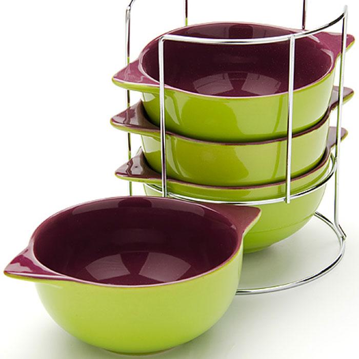 Набор супниц Loraine, на подставке, 500 мл, 5 предметов. 2423624236Набор Loraine включает четыре супницы, выполненные из высококачественной глазурованной керамики. Набор прекрасно подходит для подачи супов, бульонов и других блюд. Элегантный дизайн отлично впишется в интерьер любой кухни.Супницы компактно размещаются на подставке из железа.Посуду можно использовать в микроволновой печи и холодильнике, а также мыть в посудомоечной машине.Объем супниц: 500 мл.Диаметр супниц по верхнему краю: 13 см.