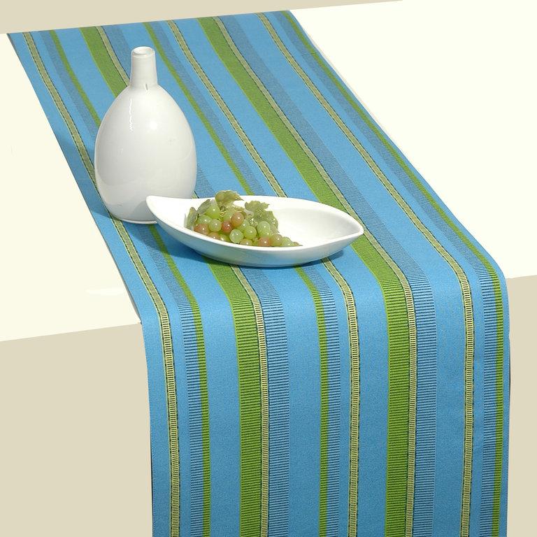 Дорожка для декорирования стола Schaefer, 40 х 140 см. 06650-21106650-211Дорожка Schaefer для декорирования стола может быть использована как основной элемент, так и дополнение для создания уюта и романтического настроения.Дорожка придаст вашему интерьеру ощущение комфорта и ненавязчивой торжественности.Легкая в уходе, быстросохнущая, разрешена машинная стирка.Материал: 100% хлопок.