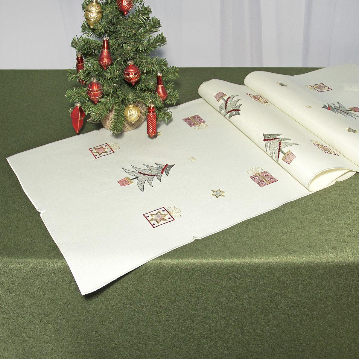Дорожка для декорирования стола Schaefer, цвет: кремовый, 40 х 140 см 07448-21107448-211Дорожка Schaefer, выполненная из полиэстера, станет изысканным украшением интерьера в преддверии Нового года. Изделие декорировано красивой вышивкой в виде елочек и подарков. Такую дорожку можно использовать для украшения комодов, тумб и столов. За текстилем из полиэстера очень легко ухаживать: он легко стирается, не мнется, не садится и быстро сохнет, более долговечен, чем текстиль из натуральных волокон.Такая дорожка изящно дополнит интерьер вашего дома.