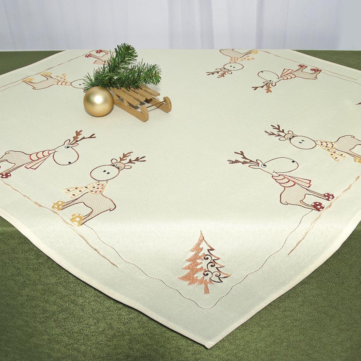 Скатерть Schaefer, квадратная, цвет: бежевый, 85 x 85 см 07672-10007672-100Квадратная скатерть Schaefer, выполненная из полиэстера, станет украшением новогоднего стола. Изделие декорировано оригинальной вышивкой в виде оленей, елок и снежинок. За текстилем из полиэстера очень легко ухаживать: он легко стирается, не мнется, не садится и быстро сохнет, более долговечен, чем текстиль из натуральных волокон.Использование такой скатерти сделает застолье торжественным, поднимет настроение гостей и приятно удивит их вашим изысканным вкусом. Это текстильное изделие станет изысканным украшением вашего дома!