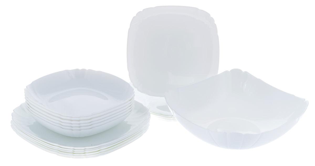 Набор столовой посуды Luminarc Lotusia, 19 предметовH1792Набор Luminarc Lotusia состоит из 6 суповых тарелок, 6 обеденныхтарелок, 6 десертных тарелок и глубокого салатника. Изделия выполнены изударопрочного стекла, имеют яркий дизайн срельефным краям и изящную квадратную форму. Посуда отличается прочностью,гигиеничностью и долгим сроком службы, она устойчива к появлению царапин ирезким перепадам температур.Такой набор прекрасно подойдет как для повседневного использования, так идля праздников или особенных случаев.Набор столовой посуды Luminarc Lotusia - это не только яркий иполезный подарок для родных и близких, а также великолепное дизайнерскоерешение для вашей кухни или столовой.Можно мыть в посудомоечной машине и использовать в микроволновой печи. Размер суповой тарелки: 20,5 см х 20,5 см.Высота суповой тарелки: 3,5 см. Размер обеденной тарелки: 25 см х 25 см.Высота обеденной тарелки: 1,8 см. Размер десертной тарелки: 20,5 см х 20,5 см.Высота десертной тарелки: 1,5 см.Размер салатник: 24,5 см х 24,5 см.Высота стенки салатника: 7 см.