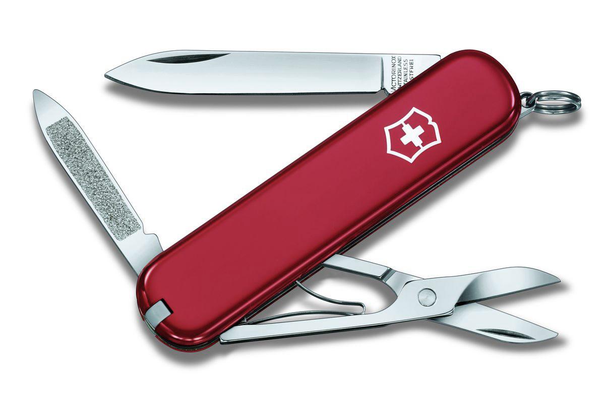 Нож перочинный Victorinox Ambassador, цвет: красный, 7 функций, 7,4 см0.6503Лезвие складного ножа-брелока Victorinox Ambassador изготовлено из высококачественной нержавеющей стали. Ручка, выполненная из прочного пластика, обеспечивает надежный и удобный хват. Нож имеет компактные размеры и не занимает много места.Хорошее качество, надежный долговечный материал и эргономичная рукоятка - что может быть удобнее на природе или на пикнике!В комплекте чехол, изготовленный из искусственной кожи.Функции ножа:Лезвие.Пилка для ногтей с инструментом по уходу за ногтями.Ножницы.Кольцо для ключей.Длина ножа в сложенном виде: 7,4 см.Длина ножа в разложенном виде: 12,7 см.
