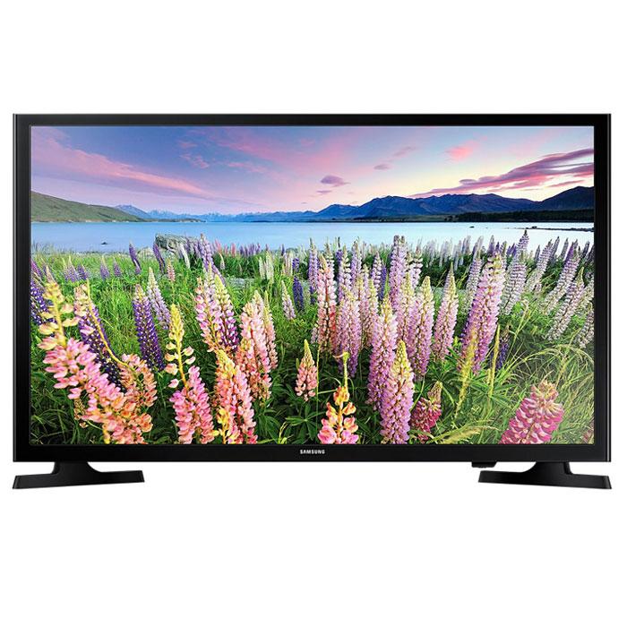 Samsung UE-40J5000AUX телевизорUE40J5000AUXRUSamsung UE-40J5000AUX - один из представителей популярной серии телевизоров с экраном с разрешением Full HD.Данная модель в своей основе имеет продвинутую 40-дюймовую матрицу, которая поддерживает большое количество технологий, призванных сделать изображение наиболее качественным и реалистичным. Благодаря широкому формату экрана и тонким рамкам достигается максимальный эффект присутствия, а картинка приобретает максимально насыщенные и яркие краски. С технологией Clear Motion Rate быстрое движение на экране телевизора будет отображаться с высокой четкостью. Вы получите больше удовольствия от просмотра фильмов, спортивных трансляций и прочих развлекательных программ.Использование новейшей технологии расширения диапазона цветопередачи Wide Color Enhancer Plus позволяет существенно улучшить качество изображения и, в частности, передачу деталей. Благодаря функции ConnectShare Movie вы можете просто вставить ваш USB-накопитель или жесткий диск в USB-порт телевизора для просмотра фильмов, фото или прослушивания музыки.Телевизор поддерживает основные современный стандарты цифрового вещания, а также оснащен отличной аудиосистемой на 20 Вт. На задней панели имеется множество различных интерфейсов и портов. Таким образом, Samsung UE-40J5000AUX справится с любыми привычными задачами. Модель не перегружена лишними функциями, а качество исполнения держится на высоте в любом аспекте.