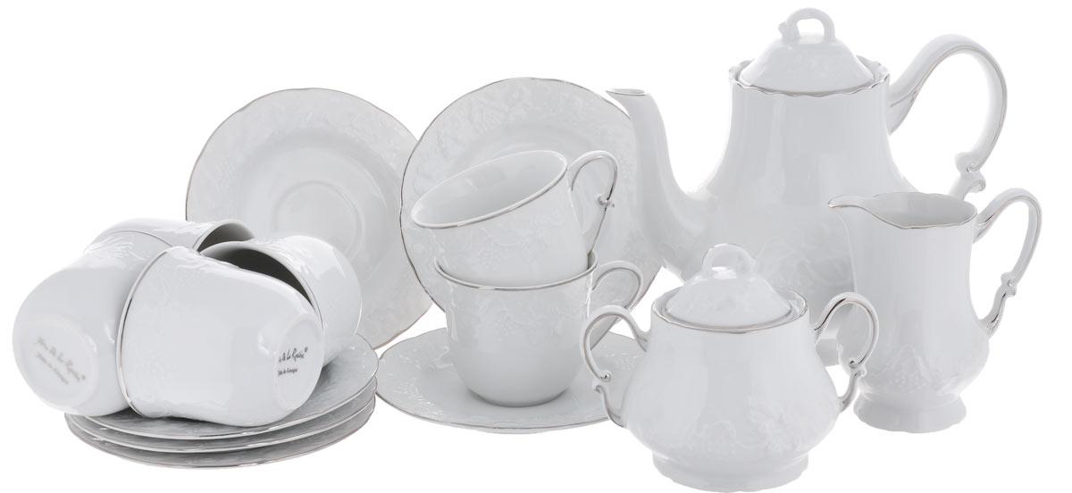 Сервиз чайный Yves De La Rosiere Vendanges, цвет: белый, платиновый, 15 предметов6995090019Сервиз чайный Yves De La Rosiere Vendanges состоит из 6 чашек, 6 блюдец, заварочного чайника, молочника и сахарницы, изготовленных из фарфора. Изящный дизайн придется по вкусу и ценителям классики, и тем, кто предпочитает утонченность и изысканность. Он настроит на позитивный лад и подарит хорошее настроение с самого утра. Сервиз чайный - идеальный и необходимый подарок для вашего дома и для ваших друзей в праздники, юбилеи и торжества! Он также станет отличным корпоративным подарком и украшением любой кухни.Количество чашек: 6 шт. Диаметр чашек по верхнему краю: 8 см.Высота чашек: 7,1 см.Объем чашек: 200 мл.Количество блюдец: 6 шт.Диаметр блюдец: 15 см.Высота блюдец: 1,5 см.Высота сахарницы (без учета крышки): 8 см.Диаметр сахарницы по верхнему краю: 7 см. Объем сахарницы: 300 мл.Высота чайника (без учета крышки): 15,5 см.Диаметр чайника по верхнему краю: 8,2 см. Объем чайника: 1 л.Высота молочника: 11 см.Объем молочника: 220 мл. Размер молочника по верхнему краю (с учетом носика): 7 см х 5,5 см.