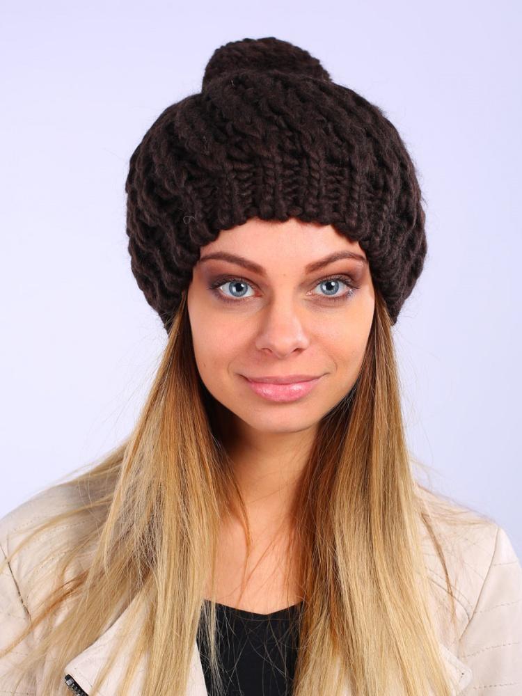 Шапка женская Venera, цвет: коричневый. 9803687-19. Размер универсальный9803687-19Вязаная женская шапка Venera отлично дополнит ваш образ в холодную погоду. Модель с широкой резинкой, из мягкой пряжи, выполнена простой крупной вязкой. Сочетание используемых материалов максимально сохраняет тепло и обеспечивает удобную посадку. Теплая шапка с помпоном станет отличным дополнением к вашему осеннему или зимнему гардеробу, в ней вам будет уютно и тепло!