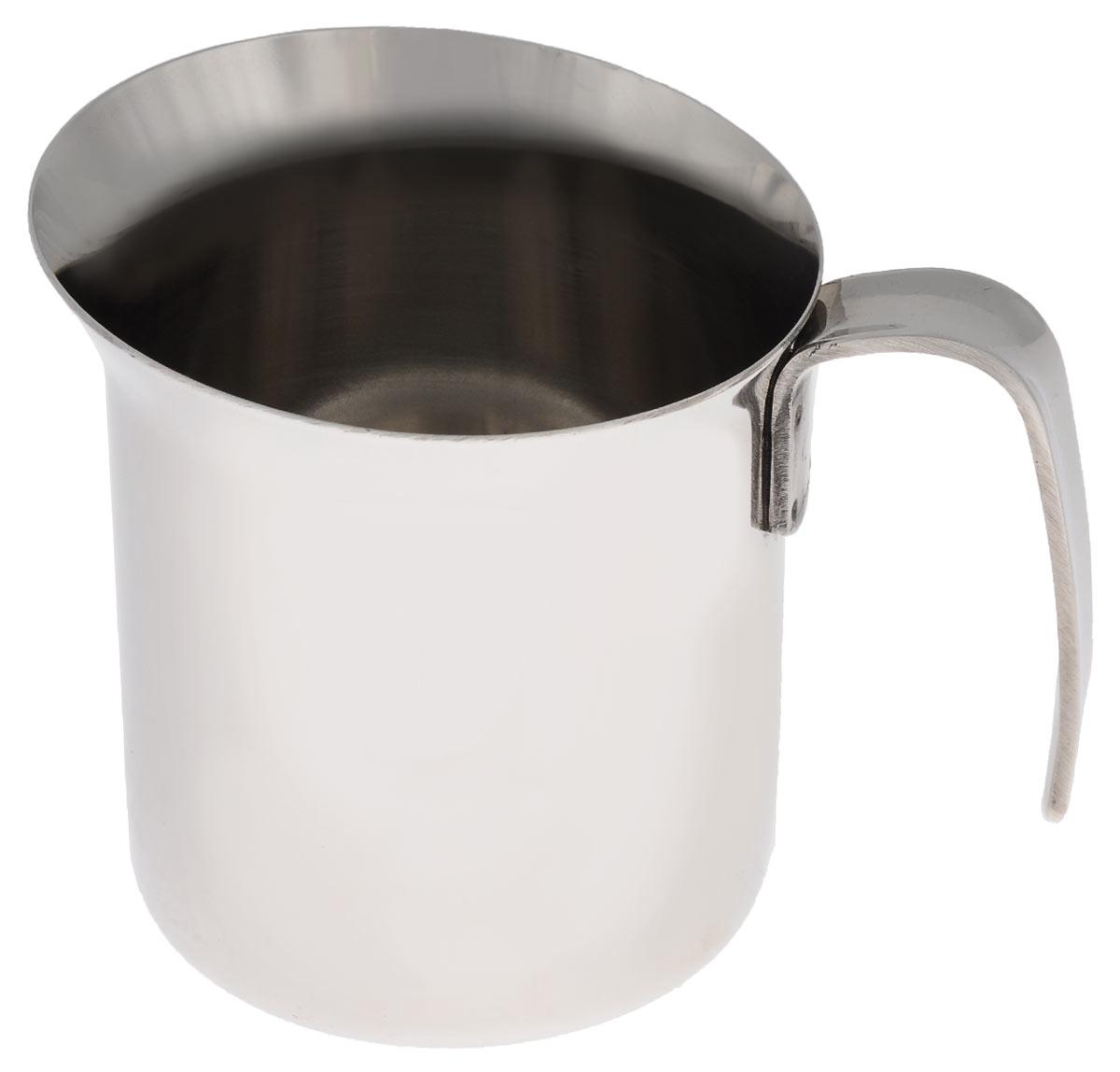 Кружка для взбивания молока Bialetti Lait, 300 мл1802Кружка для взбивания молока Bialetti Lait изготовлена из высококачественной нержавеющей стали. Изделие оснащено ручкой и специальным носиком для удобного выливания жидкости. Зеркальная полировка придает посуде эстетичный вид.Можно использовать на газовых, электрических и стеклокерамических плитах.Объем: 300 мл. Диаметр по верхнему краю: 8,5 см.Диаметр дна: 7 см. Высота стенки: 8,7 см.
