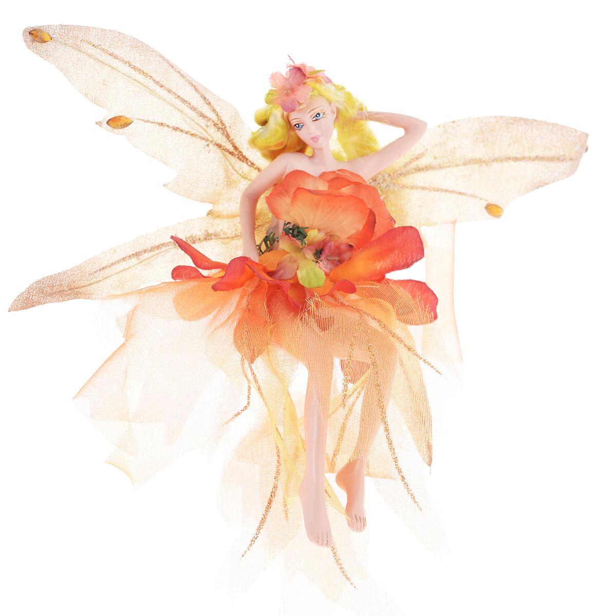 Новогоднее подвесное украшение Erich Krause Фея ярких бегоний38517Новогоднее подвесное украшение Erich Krause Фея ярких бегоний можно повесить на елку или украсить им интерьер. Изделие выполнено из полирезины в виде прекрасной феи с блестящими крылышками, украшенными желтыми стразами. Фея одета в пышное платьице, длинные светлые волосы украшают цветы. Елочная игрушка - символ Нового года. Она несет в себе волшебство и красоту праздника. Создайте в своем доме атмосферу веселья и радости, украшая всей семьей новогоднюю елку нарядными игрушками, которые будут из года в год накапливать теплоту воспоминаний.