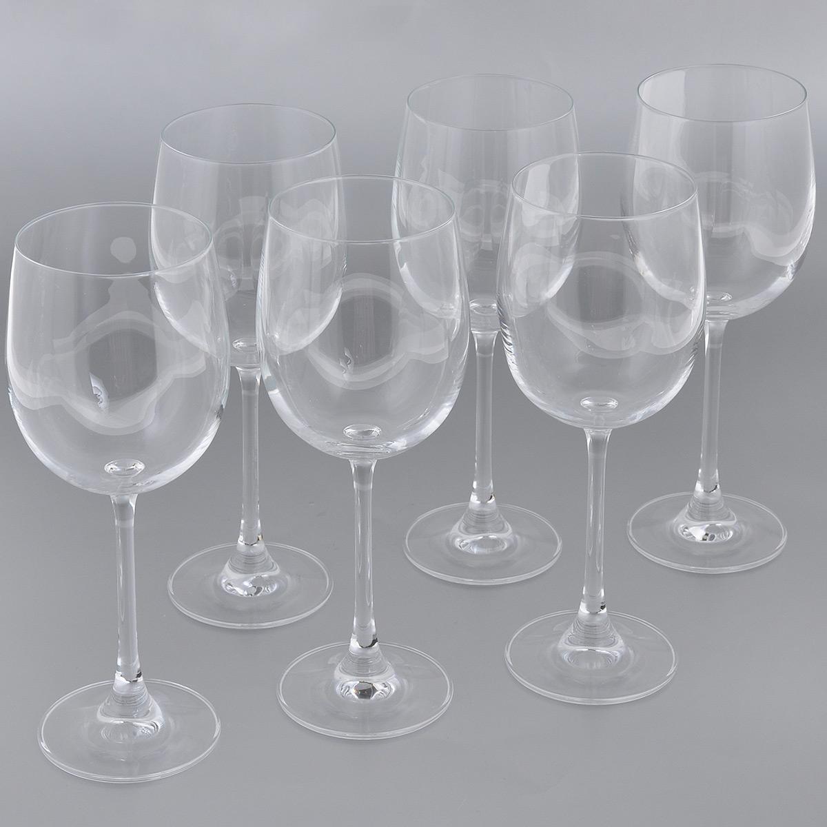 Набор бокалов для белого вина Esprado Fiesta, 360 мл, 6 штFS50C36E351Набор Esprado Fiesta состоит из шести бокалов для белого вина.Бокалы изготовлены из хрустального стекла или хрусталина, которое является более экологичной альтернативой знаменитому хрусталю, содержащему опасный для здоровья свинец. Хрустальное стекло имеет яркий блеск хрусталя, отличается высокой прозрачностью и тонкостью и при этом оно абсолютно безопасно и не содержит никаких вредных для человека веществ. Бокалы отличаются особой легкостью и прочностью, излучают приятный блеск и издают мелодичный хрустальный звон. Края бокалов имеют закаленный обод. Тонкие высокие ножки бокалов, создающие ощущение хрупкости и изящества, большой литраж и европейский дизайн позволят сполна насладиться игрой напитка в бокале, его густотой, цветом и ароматом. Бокалы можно мыть в посудомоечной машине в щадящем режиме.Fiesta в переводе c испанского означает веселье, праздник. Раньше в средневековой Европе в фиесте, народном гулянии, участвовали все жители общины или городского квартала. В отличие от русских гуляний, фиесты очень часто проводились вечером или ночью, когда спадала дневная жара. Сегодня мы также приглашаем своих друзей, накрываем на стол, достаем бокалы…и, как и в былые времена, обычный вечер превращается в праздник.В коллекции Fiesta представлены бокалы для самых распространенных напитков любого застолья. Можете быть уверены - хрустальный блеск стекла, большие литражи и высокая ножка этих бокалов преобразят даже самую простую сервировку.