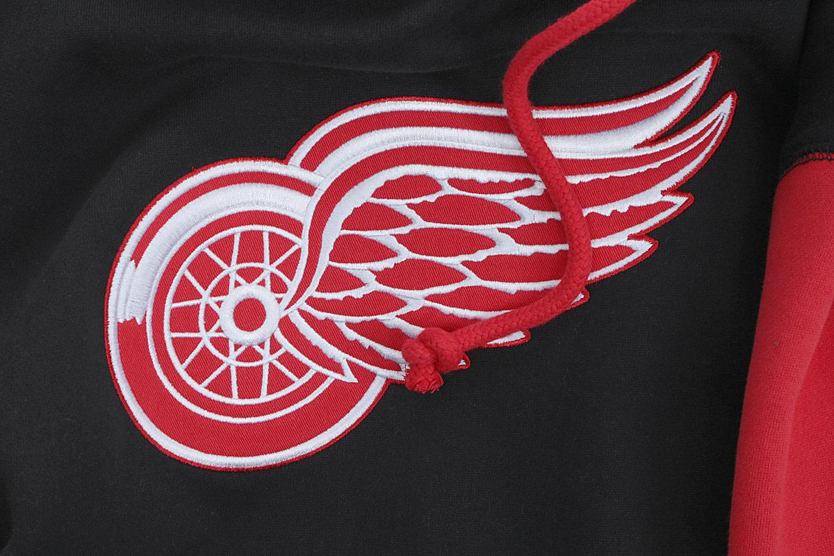"""Теплая толстовка NHL Detroit Red Wings, изготовленная из высококачественного хлопкового материала с добавлением полиэстера, необычайно мягкая и приятная на ощупь, не сковывает движения, обеспечивая наибольший комфорт. Лицевая сторона гладкая, а изнаночная - с мягким теплым начесом.Толстовка с капюшоном на кулиске спереди имеет вместительный карман-""""кенгуру"""". На груди модель оформлена аппликацией в виде эмблемы хоккейного клуба """"Detroit Red Wings"""". Толстовка имеет широкую мягкую резинку по низу, что предотвращает проникновение холодного воздуха, и длинные рукава с широкими эластичными манжетами, не стягивающими запястья. Эта модная и в то же время комфортная толстовка отличный вариант, как для активного отдыха, так и для занятий спортом!"""