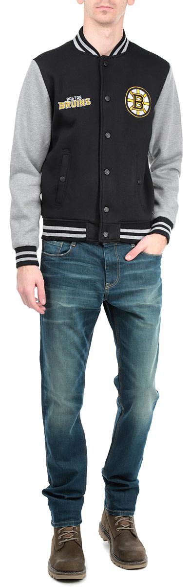 """Мужская куртка NHL """"Boston Bruins"""", изготовленная из полиэстера и хлопка, очень мягкая и приятная на ощупь, не сковывает движения, обеспечивая наибольший комфорт. Подкладка изделия выполнена из полиэстера.Куртка с небольшим воротником-стойкой и длинными рукавами застегивается на кнопки по всей длине. Снизу модели предусмотрена широкая мягкая резинка, которая предотвращает проникновение холодного воздуха. Рукава дополнены эластичными манжетами. Спереди расположены два втачных кармана на кнопках. Изделие оформлено нашивками с символикой хоккейного клуба Boston Bruins.Теплая и стильная куртка подарит вам комфорт и станет отличным дополнением к вашему гардеробу."""