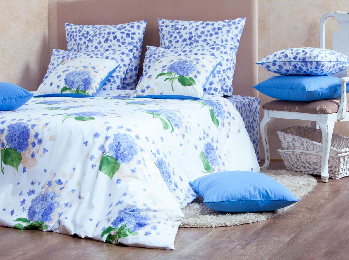 Комплект белья Mirarossi Virginia, 2-спальный, наволочки 70х70, цвет: белый, синий, зеленый20п-1MRРоскошный комплект постельного белья Mirarossi Virginia изготовлен из перкаля (100% хлопка). Ткань приятная на ощупь, при этом она прочная, хорошо сохраняет форму и легко гладится. Комплект состоит из простыни, пододеяльника и двух наволочек. Перкаль не дает проходить перьям и пуху, что является хорошим свойством для пошива комплектов постельного белья, а из-за своей толщины и износостойкости из этого материала шьются парашюты и паруса.Теплое и нежное постельное белье Mirarossi Virginia создаст неповторимую атмосферу в вашей спальне.Плотность ткани: 135 г/м2.
