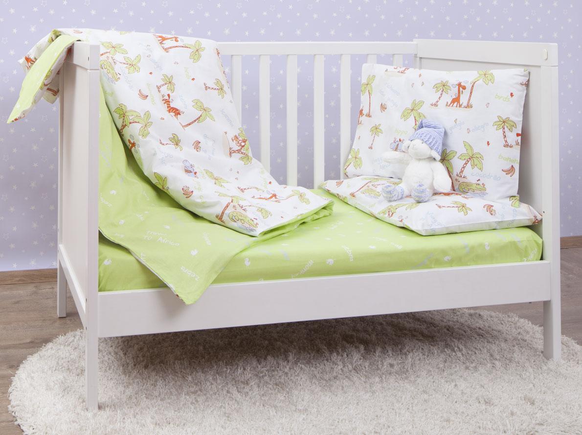 """Комплект постельного белья Mirarossi """"Giungla Green"""", состоящий из наволочки, простыни и пододеяльника, выполнен из качественного ранфорса, специально для детских кроваток. Комплект постельного белья украшен рисунками с забавным животными. Комплект с удобной простыней на резинке рассчитан специально для малышей от 0 до 4 лет. Ранфорс - очень плотная ткань, получаемая в результате полотняного переплетения крученых нитей хлопка. Несмотря на повышенную плотность, этот материал отличается необыкновенной мягкостью и шелковистой фактурой. Высокая плотность материала обеспечивает его долговечность и способность выдерживать многочисленные стирки на протяжении многих лет. Белье при этом продолжает оставаться все таким же ярким и привлекательным, поскольку ранфорс не линяет, не скатывается и не садится. Такой комплект идеально подойдет для кроватки вашего малыша. На нем ребенок будет спать здоровым и крепким сном."""