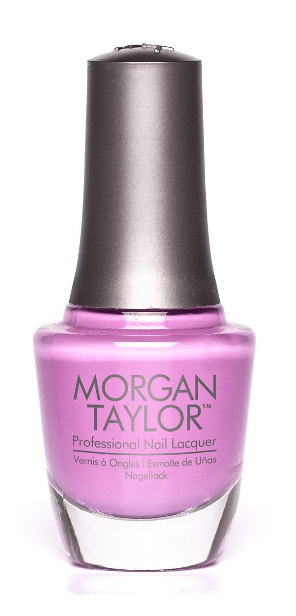 Morgan Taylor Лак для ногтей New Kicks On The Block/Новая победительница, 15 мл50120Пастельно-фиолетово-розовый шиммер. Эксклюзивная коллекция Morgan Taylor™ насыщена редкими и драгоценными составляющими. Оттенки основаны на светящихся жемчужинах, оловянных сплавах, мерцающем серебре и лучезарном золоте. Все пигменты перетерты в мельчайшую пыль и используются без разбавления другими красителями: в итоге лак получается благородным и дорогим. Наша обязанность перед мастером маникюра — предложить безопасное профессиональное цветное покрытие. Именно поэтому наши лаки являются BIG3FREE: не содержат формальдегида, толуола и дибутилфталата. В работе с клиентом лак должен быть безупречным — от содержимого флакона до удобства нанесения. Индивидуальный проект и дизайн — сочетание удобства в работе и оптимального веса флакона. Кристально-прозрачное итальянское стекло — это качество стекла позволяет вам видеть цвет лака без искажений, поэтому вопрос выбора цветного покрытия клиентом и мастером решается быстро и с легкостью. Удобный колпачок — воздушный, почти невесомый, он будто создан, чтобы вы держали его пальцами рук при нанесении лака. Особенная кисть — очень тонкие волоски кисти позволят вам почувствовать себя настоящим художником и наносить лак гладко и равномерно.