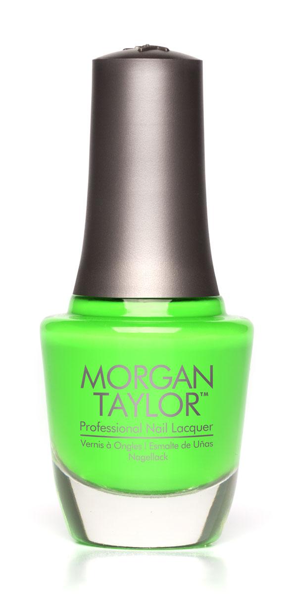 Morgan Taylor Лак для ногтей Go For The Glow/Следуй за сиянием, 15 мл50149Неоновый зеленый глиттер.Эксклюзивная коллекция Morgan Taylor™ насыщена редкими и драгоценными составляющими. Оттенки основаны на светящихся жемчужинах, оловянных сплавах, мерцающем серебре и лучезарном золоте. Все пигменты перетерты в мельчайшую пыль и используются без разбавления другими красителями: в итоге лак получается благородным и дорогим.Наша обязанность перед мастером маникюра — предложить безопасное профессиональное цветное покрытие. Именно поэтому наши лаки являются BIG3FREE: не содержат формальдегида, толуола и дибутилфталата.В работе с клиентом лак должен быть безупречным — от содержимого флакона до удобства нанесения. Индивидуальный проект и дизайн — сочетание удобства в работе и оптимального веса флакона. Кристально-прозрачное итальянское стекло — это качество стекла позволяет вам видеть цвет лака без искажений, поэтому вопрос выбора цветного покрытия клиентом и мастером решается быстро и с легкостью. Удобный колпачок — воздушный, почти невесомый, он будто создан, чтобы вы держали его пальцами рук при нанесении лака. Особенная кисть — очень тонкие волоски кисти позволят вам почувствовать себя настоящим художником и наносить лак гладко и равномерно.