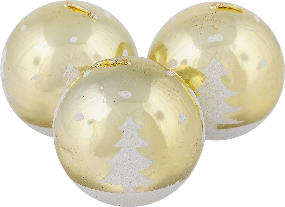 Набор свечей Winter Wings Шар, цвет: золотистый, диаметр 5 см, 3 штN10431_золотистыйНабор Winter Wings Шар состоит из трех свечей в виде елочных шаров, оформленных блестками и изображением елок. Свечи, выполненные из парафина, располагаются на пластиковой подставке. Такие свечи создадут атмосферу таинственности и загадочности и наполнят ваш дом волшебством и ощущением праздника. Хороший сувенир для друзей и близких.