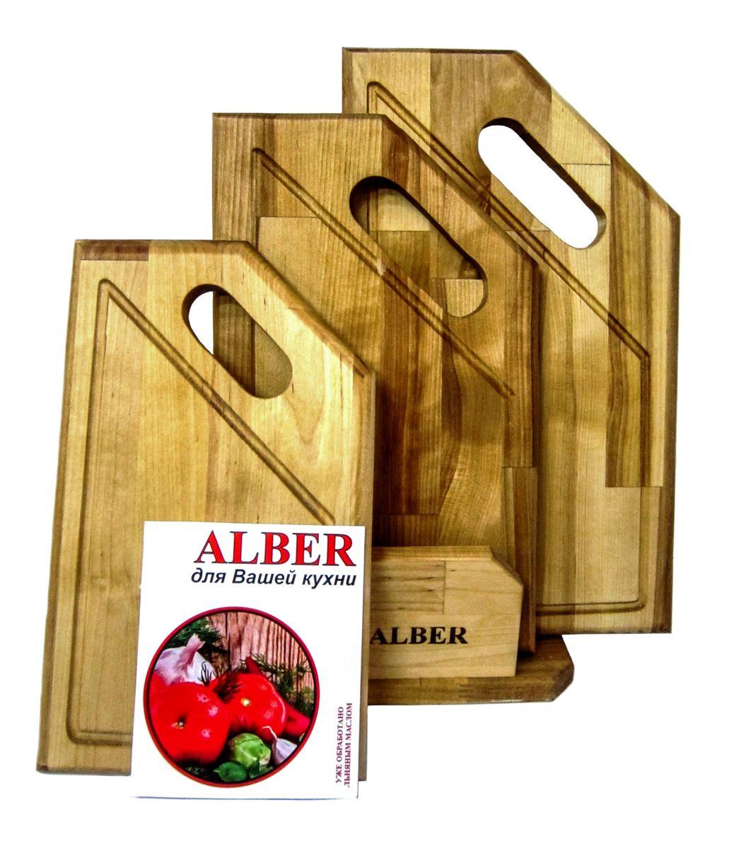 Набор досок разделочных Угловая ручка в кассете (3 доски разного размера)0080051Прочные, гладкие, с естественной березовой текстурой, доски обработаны льняным маслом для предохранения от рассыхания. Изделия имеют индивидуальную пленочную упаковку и оригинальную гравировку - нельзя мыть деревянную доску в посудомоечной машине, а также оставлять надолго погруженной в воду; - после каждого использования нужно промыть доску мыльной водой, тщательно сполоснуть проточной водой и вытереть насухо; - хранить доски лучше в подвешенном состоянии или просто поставив вертикально; - новую сухую доску (если она не обработана) перед началом нужно смазать маслом; масло должно быть безопасным и устойчивым к порче при комнатной температуре (оптимальный вариант - льняное масло, в отличие от подсолнечного или оливкового, которые со временем портятся); повторять эту процедуру необходимо в среднем раз в месяц - по мере высыхания масла; - заменять разделочную доску на кухне рекомендуется 1 раз в год.