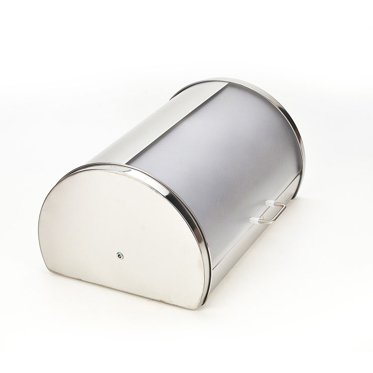 Хлебница Mayer & Boch, 39 х 27,5 х 18,5 см21219Классическая хлебница Mayer & Boch, изготовленная из нержавеющей стали и пластика,поможет надолго сохранить ваш хлеб свежим. Изделие снабжено удобной крышкой, которая благодаря своему весу плотно прилегает к основанию. Хлебница имеет компактные размеры, поэтому не займет много места на вашей кухне.Стильный дизайн, эстетичность и функциональность сделают хлебницу превосходным аксессуаром на вашей кухне.