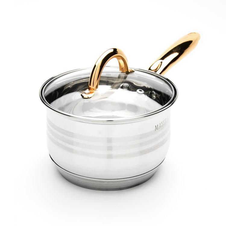 Сотейник Mayer & Boch с крышкой, 2 л. 2403524035Сотейник Mayer & Boch изготовлен из высококачественной нержавеющей стали. Комбинацияматовой и зеркальной полировки внешнего покрытия придает изделию особо эстетичный вид. Внутренняя гладкая поверхность легко чистится - можно мыть в воде руками или протиратьполотенцем. Сотейник имеет многослойное термоаккумулирующее дно, которое обеспечивает наилучшее распределение тепла. Прозрачная крышка, выполненная из термостойкого стекла, позволяет следить за процессом приготовления пищи. Ручка из нержавеющей стали надежно крепится к корпусу, а ее золотой цвет выигрышно подчеркивает неповторимый дизайн.Подходит для всех типов плит, включая индукционные. Можно мыть в посудомоечной машине. Диаметр: 16 см.Высота стенки: 11 см. Длина ручки: 18 см.Толщина стенки: 0,5 мм.Толщина дна: 4 мм.