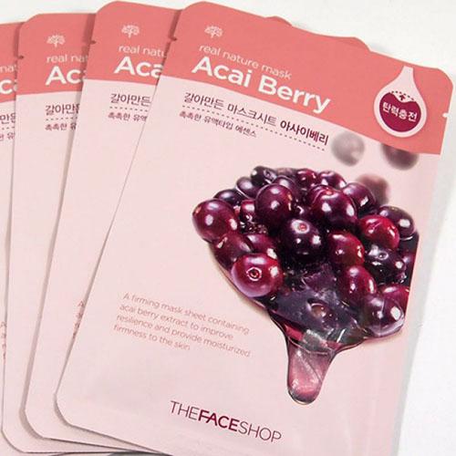 The Face Shop Тканевая маска для лица с экстрактом ягод асаи REAL NATURE, 20 гУТ000001543Тканевые маски на основе природных ингредиентов сравнимые по эффекту с сывороткой. Ягоды Асаи - богаты антиоксидантами, необходимыми жировыми кислотами (Омега 3, 6 и 9), витаминами и минералами, клетчаткой, фитонутриентами, минокислотами, микроминералами, комплексом углеводов. Противодействуют процессу старения. Стимулируют регенерацию клеток кожи.