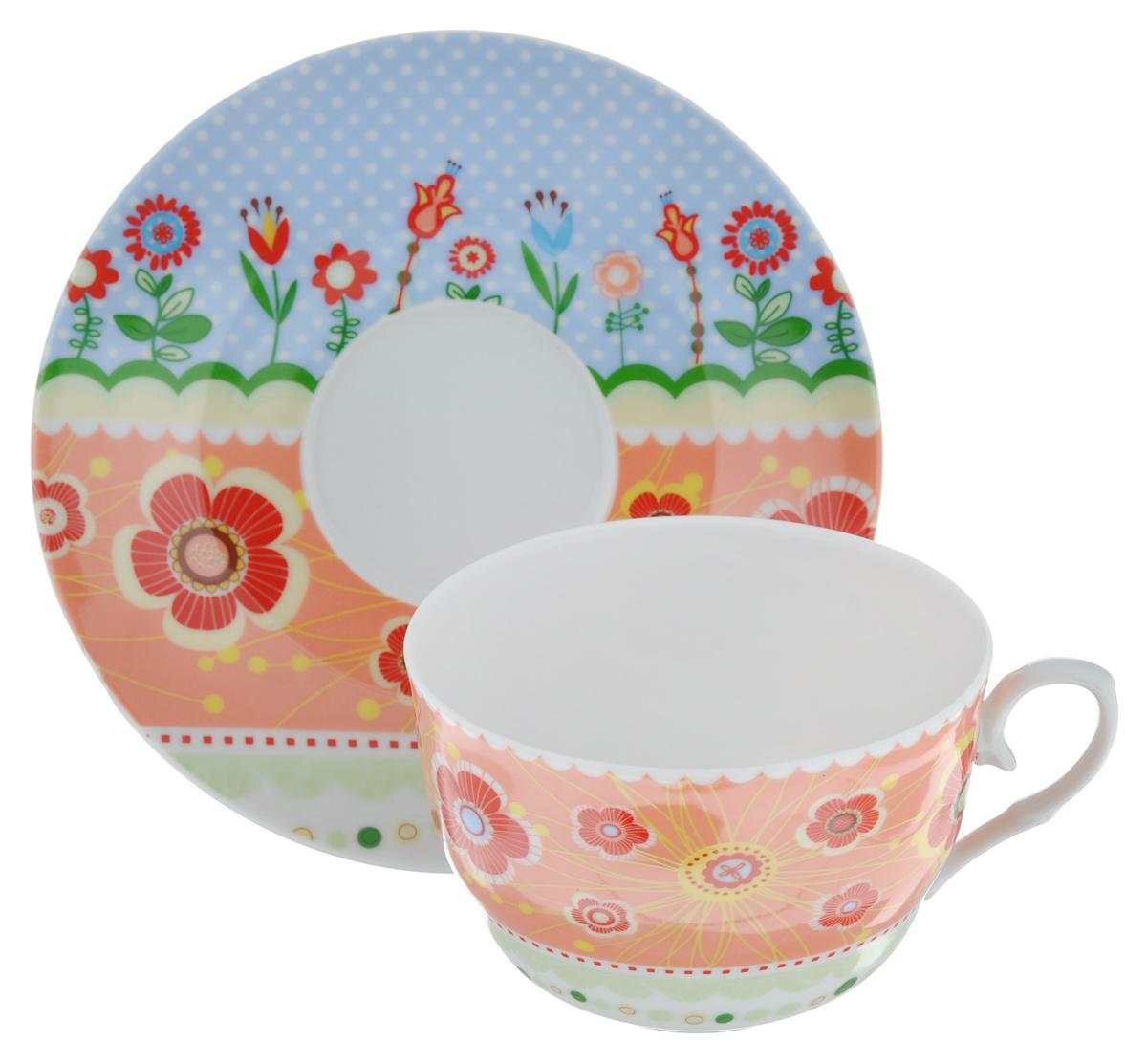 Чайная пара LarangE Фьюжн, цвет: оранжевый, голубой, 2 предмета586-333Чайная пара LarangE Фьюжн состоит из чашки и блюдца,изготовленных из фарфора. Предметы набора оформленыизящным ярким рисунком.Чайная пара LarangE Фьюжн украсит ваш кухонный стол, а такжестанет замечательным подарком друзьям и близким.Объем чашки: 250 мл.Диаметр чашки по верхнему краю: 9 см.Высота чашки: 6 см.Диаметр блюдца: 14,5 см.