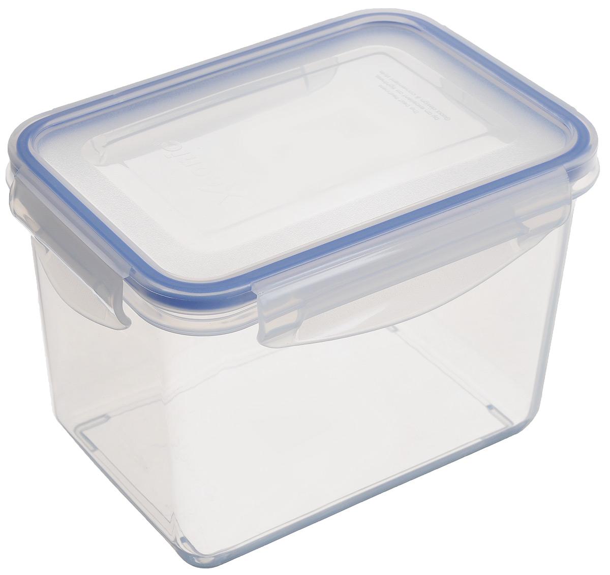 Контейнер Xeonic, цвет: прозрачный, синий, 1,3 л810027Прямоугольный контейнер Xeonic изготовлен из высококачественного полипропилена и предназначен для хранения любых пищевых продуктов. Крышка с силиконовой вставкой герметично защелкивается специальным механизмом. Изделие устойчиво к воздействию масел и жиров, не впитывает запахи.Контейнер Xeonic удобен для ежедневного использования в быту.Можно мыть в посудомоечной машине и использовать в СВЧ.Размер контейнера (по верхнему краю): 16 см х 11 см.Высота контейнера (без учета крышки): 11 см.
