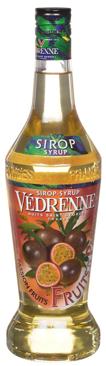 Vedrenne Маракуя сироп, 0,7 лSVDRFP-070B01Сироп Маракуйя входит в число весьма своеобразных, экзотических добавок для различных напитков и десертов. Восхитительный аромат тропического фрукта делает данный сироп оригинальным и неповторимым. Сироп из маракуйи отличается ярким оранжево-желтым цветом, изящным ароматом и свежим вкусом спелых тропических фруктов. Если за окном серые будни, а в жизни так не хватает ярких красок, то сироп Маракуйя - это то, что вам сейчас необходимо! Всего пара чайных ложек этого лакомства - и ваш любимый напиток превратится в сказочный коктейль, а вы перенесетесь на песчаный пляж, под тень пальмового дерева. Маракуйя также известна как фрукт страсти. Данное название особенно удачно передает представление о чувственном и в то же время легком аромате этого плода.Сироп Маракуйя можно найти в ассортименте многих современных производителей. Качественные сиропы изготавливаются на основе очищенной воды с добавлением натурального сока маракуйи или фруктового пюре, без усилителей вкуса и других искусственных наполнителей. Индикатором отменного качества сиропа служит естественный фруктовый вкусоаромат, без намека на химию.Сироп Маракуйя в руках профессионального бариста или бармена сироп из маракуйи является превосходным средством для расширения меню dашего заведения. На основе данного сиропа можно приготовить массу оригинальных алкогольных и безалкогольных коктейлей. По словам экспертов, сироп Маракуйя особенно хорош в дуэте с ананасовым соком, а также с водкой или белым ромом.Сиропы изготавливаются на основе натурального растительного сырья, фруктовых и ягодных соков прямого отжима, цитрусовых настоев, а также с использованием очищенной воды без вредных примесей, что позволяет выдержать все ценные и полезные свойства натуральных фруктово-ягодных плодов и трав. В состав сиропов входит только натуральный сахар, произведенный по традиционной технологии из сахарозы. Благодаря высокому содержанию концентрированного фруктового сока, сиропы Vedrenne обла