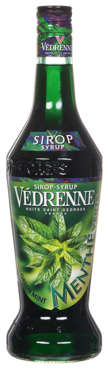 Vedrenne Зеленая Мята сироп, 0,7 лSVDRMV-070B01Сладкий и в то же время освежающий вкус сиропа Зеленая мята позволяет создавать на егооснове простые, но очень вкусные прохладительные напитки, не содержащие алкоголя. Мятныйсироп в сочетании с содовой или лимонадом освежит и взбодрит в самый жаркий день.Сироп Зеленая мята составит достойную партию не только прохладительным, но и горячимнапиткам.Сиропы изготавливаются на основе натурального растительного сырья, фруктовых и ягодныхсоков прямого отжима, цитрусовых настоев, а также с использованием очищенной воды безвредных примесей, что позволяет выдержать все ценные и полезные свойства натуральныхфруктово-ягодных плодов и трав. В состав сиропов входит только натуральный сахар,произведенный по традиционной технологии из сахарозы. Благодаря высокому содержаниюконцентрированного фруктового сока, сиропы Vedrenne обладают изысканным ароматом инатуральным вкусом, являются эффективным подсластителем при незначительнойкалорийности. Они оптимизируют уровень влажности и процесс кристаллизации десертов,хорошо смешиваются с другими ингредиентами и способствуют улучшению вкусовых качествнапитков и десертов.Сиропы Vedrenne разливаются в стеклянные бутылки с яркими этикетками, на которыхизображен фрукт, ягода или другой ингредиент, определяющий вкусовые оттенки того илииного продукта Vedrenne. Емкости с сиропами Vedrenne герметичны, поэтому не позволяютсодержимому контактировать с микроорганизмами и другими губительными внешнимивоздействиями. Кроме того, стеклянные бутылки выглядят оригинально и стильно.В настоящее время компания Vedrenne считается одним из лучших производителейвысококлассных сиропов, отличающихся натуральным вкусом, а также насыщенным ароматом иглубокимцветом. Фруктовые сиропы Vedrenne пользуются большой популярностью не только воФранции (где их широко используют как в сегменте HoReCa, так и в домашних условиях), но иэкспортируются более чем в 50 стран мира. Цвет: насыщенно изумрудныйАромат: утонченный, легкий, освежа