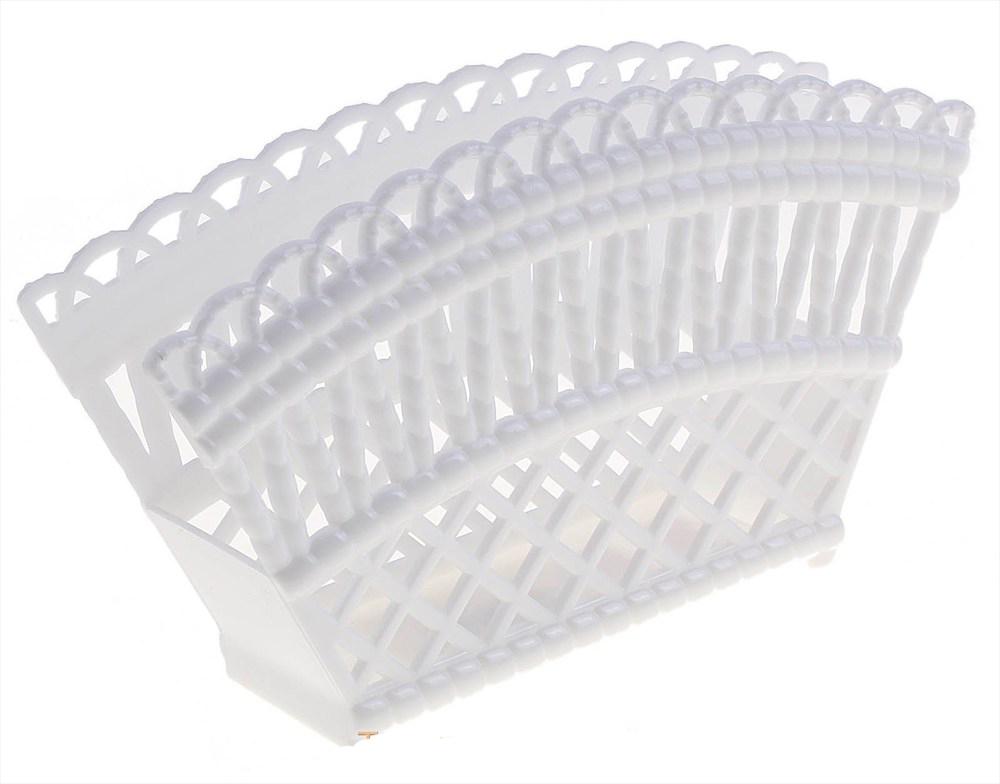 Салфетница Альтернатива Семь злаков, цвет: белый, 16 х 9 х 4 смМ1304_белыйСалфетница Альтернатива Семь злаков изготовлена из высококачественного пластика и оформлена оригинальной перфорацией. Такая салфетница прекрасно подойдет для сервировки стола дома или на даче.