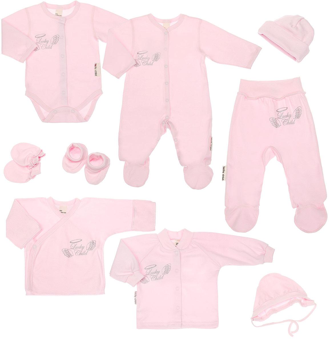 Подарочный комплект для новорожденного Lucky Child Ангелочки, цвет: розовый, 9 предметов. 17-1000. Размер 62/6817-1000Комплект для новорожденного Lucky Child Ангелочки - это замечательный подарок, который прекрасно подойдет для младенца. Комплект состоит из комбинезона, боди, распашонки-кимоно, кофточки, ползунков, шапочки, чепчика, рукавичек и пинеток. Изготовленный из натурального хлопка, он необычайно мягкий и приятный на ощупь, не сковывает движения ребенка и позволяет коже дышать, не раздражает даже самую нежную и чувствительную кожу ребенка, обеспечивая ему наибольший комфорт.Комбинезон с длинными рукавами, V-образным вырезом горловины и закрытыми ножками имеет застежки-кнопки от горловины до пяточек, которые помогают легко переодеть младенца или сменить подгузник. Оформлено изделие термоаппликацией с названием бренда и украшено на спинке очаровательными декоративными крылышками. Удобное боди с длинными рукавами и круглым вырезом горловины имеет удобные застежки-кнопки по всей длине, а также кнопки на ластовице, которые помогают легко переодеть младенца и сменить подгузник. Оформлено изделие термоаппликацией с названием бренда и украшено на спинке декоративными крылышками.Распашонка с V-образным вырезом горловины и длинными рукавами-кимоно имеет застежки-кнопки по принципу кимоно, благодаря которым, модель можно полностью расстегнуть. На рукавах предцсмотрены рукавички, благодаря котрым ребенок не поцарапает себя. Ручки могут быть как открытыми, так и закрытыми. Швы изделия выполнены наружу. Оформлена модель крупной термоаппликацией с названием бренда.Кофточка с длинными рукавами-реглан и круглым вырезом горловины спереди застегивается на металлические кнопки, что помогает с легкостью переодеть ребенка. Горловина дополнена мягкой трикотажной резинкой. Рукава имеют широкие эластичные манжеты. Оформлено изделие термоаппликацией с названием бренда и украшено на спинке декоративными крылышками. Ползунки, благодаря мягкому и широкому поясу, не сдавливают животик мл