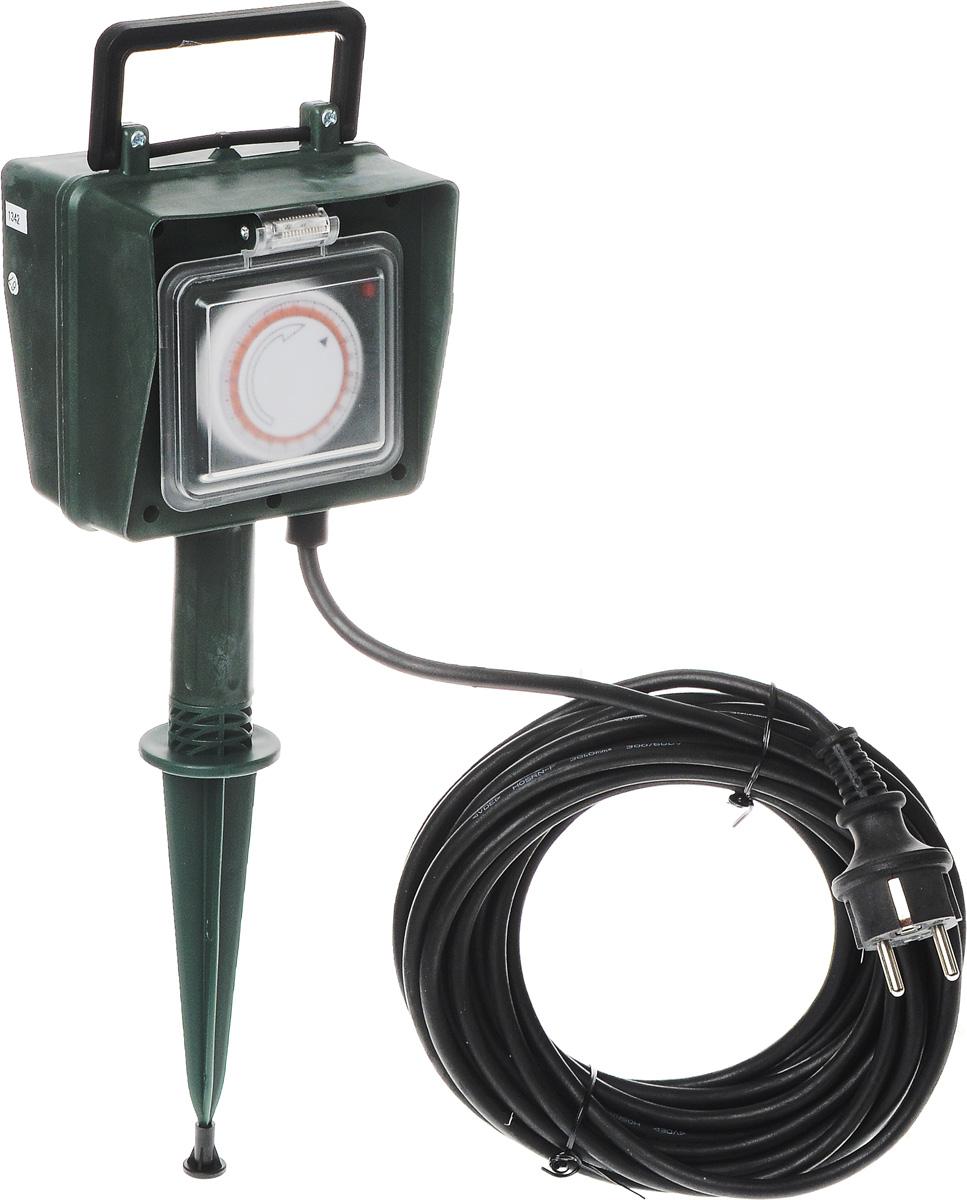 Удлинитель садовый ЭРА UT-2e-10m-IP44, с таймером, влагозащищенный, 2 гнезда, 10 мUT-2e-10m-IP44Удлинитель садовый ЭРА UT-2e-10m-IP44 позволяет подключить несколько потребителей к одной электрической розетке. За счет большой длины кабеля незаменим на садовом участке, при проведении строительных и ремонтных работ. Силовой удлинитель имеет степень защиты IP44 и снабжен защитными шторками и защитными крышками, закрывающими электрические контакты от попадания пыли и влаги. 3 медные жилы сечением 1 мм2 обеспечивают допустимую максимальную мощность нагрузки в 2300 Вт. Сечение жилы провода является ключевым элементом качества силового удлинителя. Резиновая изоляция (неопрен) провода позволяет эксплуатировать удлинитель в широком диапазоне температур от -15°С до +40°С. Корпус выполнен из полипропилена и поликарбоната - устойчив к механическим повреждениям, царапинам, соответствует требованиям пожаробезопасности. Удлинитель снабжен механическим суточным таймером, который позволяет автоматически включать и выключать подключенные к удлинителю устройства. Шаг таймера - 15 минут, диапазон - 24 часа (после прохождения 24 часового цикла - цикл повторяется). Установка требуемого времени включения производится при помощи сегментов, расположенных под кольцом. Режим работы с выключенным таймером (как обычный садовый удлинитель). Технические характеристики: Сечение провода: 3х1 мм2. Номинальное напряжение: 230В / 50 Гц. Сила тока/мощность максимальная в размотанном виде: 10А / 2300 Вт. Наличие заземляющего контакта: да. Температурный режим эксплуатации стационарно: от -40°С до +60°С. Температурный режим эксплуатации подвижно: от -15°С до +40°С. Материал корпуса: пластик (полипропилен, поликарбонат).