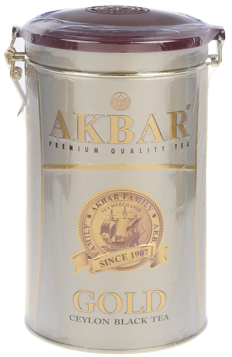 Akbar Gold черный листовой чай, 450 г (ж/б)1042026AKBAR «GOLD» — среднелистовой черный чай класса Premium, для производства которого используются только что распустившиеся листочки чайного куста, собранные на лучших горных плантациях легендарной цейлонской провинции Ruhuna, на высоте 2000 футов над уровнем моря. Их идеальное расположение к солнцу и горный воздух, пропитанный ароматами экзотических растений, придают чаю стойкий аромат и отличающийся особой яркостью и насыщенностью цвет.Чай AKBAR «GOLD» в элегантных жестяных банках — великолепный подарок к любому празднику.