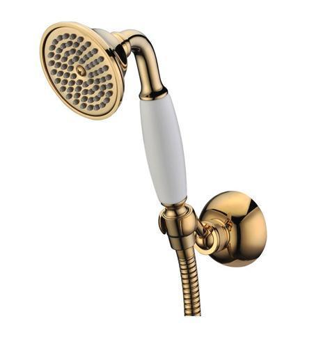 """Душевой комплект Gro Welle """"Muskat Gold"""" воплощает в себе стильную простоту и комфорт в  использовании. Комплект состоит из лейки и крепления, изготовленных из  высококачественной латуни. Ручной душ имеет 1 режим: обильные душевые струи, напоминающие  дождь.  Такой режим позволяет принимать душ, омывая все тело, и эффективно промывать волосы от  шампуня. Бронзовое покрытие CrystalLight позволяет укомплектовать данным гарнитуром  смеситель для ванны или душа с бронзовым напылением. Набор идеально подходит для  интерьеров в стиле ретро и кантри. Душевой комплект Gro Welle """"Muskat Gold"""" удобен и практичен в работе. Размер лейки: 7,6 см х 8,5 см х 19,8 см."""